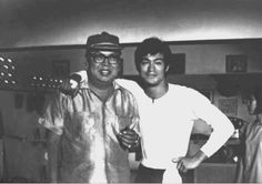 Behind the scenes of Big Boss Rare Pictures, Rare Photos, Bruce Lee Books, The Big Boss, Martial Artist, Creative Skills, Kung Fu, The Man, Behind The Scenes