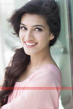Hot Bollywood actress Kriti Sanon HD Wallpapers and Pic.Sexy WideScreen Wallpaper For Kriti Sanon .Hottest Kriti Sanon Wallpapers and Sexy Photos. Cute Celebrities, Indian Celebrities, Bollywood Celebrities, Celebs, Beautiful Bollywood Actress, Most Beautiful Indian Actress, Beautiful Actresses, Bollywood Stars, Indian Film Actress