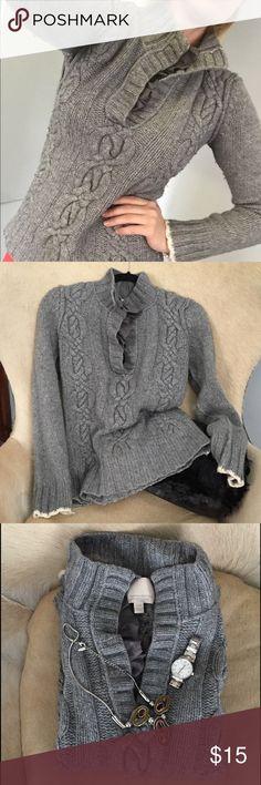 Sweater fastion Grey cozy sweater Banana Republic Sweaters V-Necks