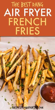 These ridiculously 3 ingredient delicious & easy air fryer french fries (Instant Pot Fench Fries) at home today! Air Fryer Oven Recipes, Air Frier Recipes, Air Fryer Dinner Recipes, Appetizer Recipes, Air Fryer Recipes Potatoes, Vegan Appetizers, Air Fry French Fries, Crispy French Fries, French Fries Recipe