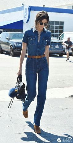 Kendall Jenner pays homage to style in a bell-bottomed denim jumpsuit. Jumpsuits have made a huge resurgence. This is particularly because it is denim, bell bottom, and has a high waist. 70s Fashion, Denim Fashion, Trendy Fashion, Fashion Outfits, Trendy Style, Fashion Styles, Denim Outfits, Fashion Vintage, Street Fashion