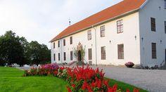 Chateau Sundbyholm http://www.historichotelsofeurope.com/en/Hotels/chateau-sundbyholm.aspx