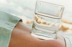 Voici comment perdre du poids grâce à l'eau Lire la suite /ici :http://www.sport-nutrition2015.blogspot.com