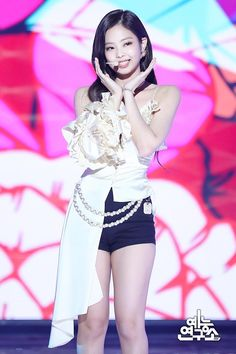 HD kpop pictures and gifs. Kpop Girl Groups, Korean Girl Groups, Kpop Girls, Blackpink Jennie, Yg Entertainment, Kim Jisoo, Pretty Asian, Stage Outfits, Kpop Outfits