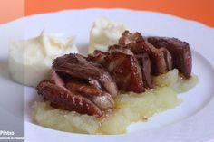 Receta de magret de pato con foie y compota de manzana