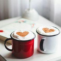 Não há como negar nós somos maníacas por café! E não estamos falando da boca pra fora. Segundo uma pesquisa feita encomendada pela Associação Brasileira da Indústria do Café (Abic) o café está presente em mais de 98% das casas brasileiras. É por isso que decidimos listar 10 mitos e verdades sobre a bebida. Quer saber mais? Só clicar no link da bio! #café via GLAMOUR BRASIL MAGAZINE official Instagram - #Beauty and #Fashion Inspiration - Beautiful #Dresses and #Shoes - Celebrities and Pop…