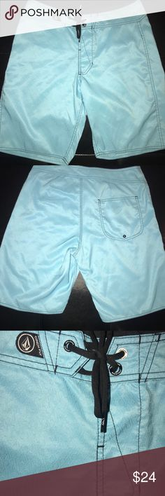 "New VOLCOM Mens 30"" boardshorts swim trunks suit Like new condition and never worn. 30"" size men's board shorts swim trunks. Comes from smoke and pet free home. Volcom Swim Board Shorts"