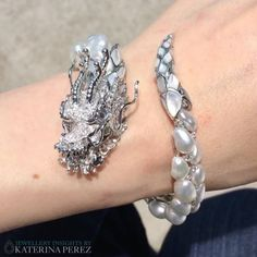 Best Diamond Bracelets : One of the most beautiful jewelled dragons I have ever seen lives in Australia High Jewelry, Pearl Jewelry, Jewelry Art, Jewelry Accessories, Jewelry Design, Unique Jewelry, Pearl Bracelet, Bridal Accessories, Silver Jewelry
