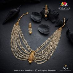 The wedding season is here and your envy-inducing festive ensembles deserve atte. Gold Jewellery Design, Gold Jewelry, Gold Necklaces, Diamond Jewellery, Jewelry Bracelets, Pearl Necklace Designs, Indian Gold Necklace Designs, Gold Haram Designs, Indian Wedding Jewelry