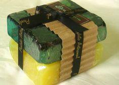 Fazer sabonete para vender Perfume, Face Lotion, Liquid Soap, Soap Recipes, Bar Soap, Bath Bombs, Decorative Boxes, Candles, Graphic Design