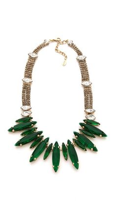 love this green statement necklace