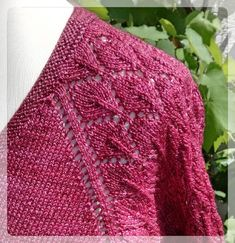 """Queeny : The tunic is knitted from above in one piece. Size adjustments are easily possible by simply knitting a pattern repeat less. The idea goes back to a tunic """"Lulu"""", which i … Crochet Pullover Pattern, Poncho Knitting Patterns, Knitted Poncho, Knitting Designs, Knit Patterns, Baby Knitting, Knit Crochet, Knitting Ideas, Crochet Simple"""