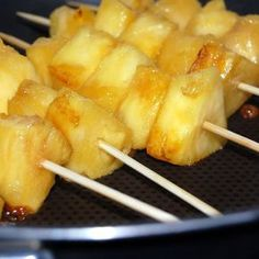 Brochettes ananas sauce coco – Torchons & Serviettes