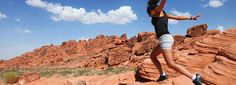 VisitTheUSA is the USA official guide for traveling the United States of America. Discover here all the information you need for your American holidays. Valley Of Fire State Park, Monument Valley, Nevada Usa, State Parks, Grand Canyon, United States, American, City, Travel