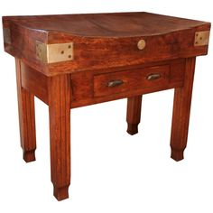 Antique butcher block table to use as an island... Woow.