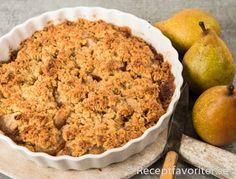 Päronpaj päronkaka paj med päron och knäckigt täcke