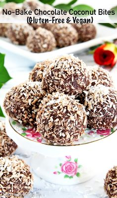 These Vegan & Gluten-Free Chocolate Coconut Bites (Video) recipe is amazingly easy to make in no time, and you'll have an absolutely scrumptious dessert! Gluten Free Chocolate, Vegan Chocolate, Coconut Bites Recipe, Vegan Gluten Free, Gluten Free Recipes, Organic Nuts, Delicious Desserts, Yummy Food, Food Videos