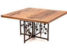 Mesa com Base Ferro e tampo de madeira de demolição