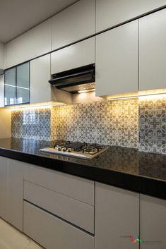 Kitchen Layout Interior, Contemporary Kitchen Interior, Small House Interior Design, Modern Kitchen Interiors, Luxury Kitchen Design, Kitchen Room Design, Home Room Design, Kitchen Decor, Kitchen Cupboard Designs