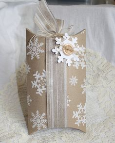 Endless Inkabilities: Snowflake Pillow Box
