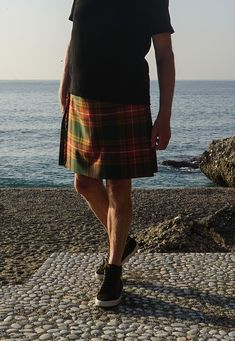 Beware of the kilt police. No sporran. No kilt hose. T-shirt untucked. Kilt too short.