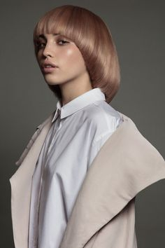 Raffel Pages - Blurred #raffelpages #hair #haircolor #hairdye #fashion #trend #ss2017 #волосы #прически #окрашивание #тренд Hairdressing & Makeup: Raffel Pages Photo: David Arnal For Raffel Pages