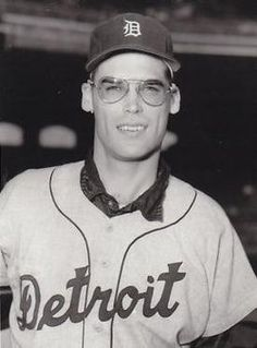 DAVE SISLER:  PITCHER WITH DETROIT TIGERS