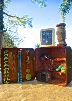 DIY: Recycled Vintage Case / Jewelry /Craft Show Display