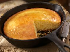 Top 7 Must-Try Foods on Hilton Head Island | Hilton Head Island Moist Cornbread, Skillet Cornbread, Homemade Cornbread, Cornbread Recipe Without Cornmeal, Cornbread Recipes, Old Fashioned Cornbread, How To Make Cornbread, Southern Recipes, Love Food