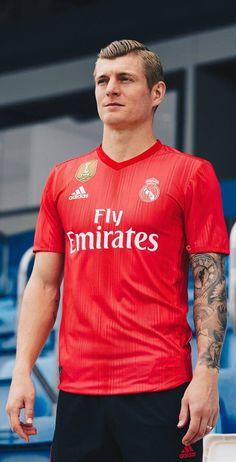 New shirt 4 Real Madrid season 2018 19 Toni Kroos Real Mardrid 012546cb0
