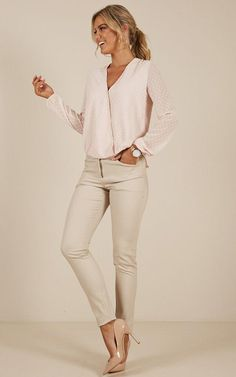 97 Best and Stylish Business Casual Work Outfit for Women 97 Best and Stylish Business Casual Work Outfit for Women – Biseyre. Business Casual Outfits For Women, Office Outfits Women, Casual Work Outfits, Professional Outfits, Work Attire, Work Casual, Business Attire, Office Attire, Business Chic