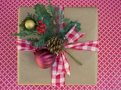 Love the simplicity of this - craft paper with pretty ribbon.