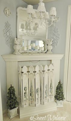 Most current Pic shabby chic Fireplace Screen Strategies Would love a fireplace like this in my bedroom. Estilo Shabby Chic, Romantic Shabby Chic, Shabby Chic Style, Shabby Chic Decor, Shabby Chic Fireplace, Shabby Chic Farmhouse, Farmhouse Decor, Fireplace Cover, Fireplace Mantle