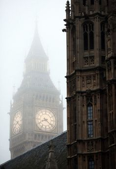 Foggy, Big Ben, London  photo via tabbi