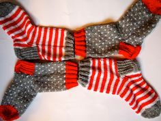 Knitting For Kids, Knitting Socks, Christmas Knitting, Mittens, Knit Crochet, Diy And Crafts, Dancing, Decor, Socks