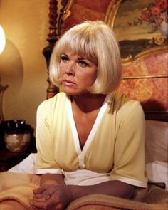I love Doris Day....my favorite movie of hers is PILLOW TALK with the incredibly sexy Rock Hudson ;)