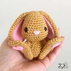 Free cute Easter Bunny Crochet Patterns Easter Bunny Crochet Pattern, Crochet Animal Patterns, Stuffed Animal Patterns, Amigurumi Patterns, Crochet Gifts, Diy Crochet, Crochet Dolls, Crochet Projects, Free Pattern