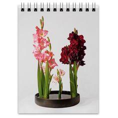 Блокнот Glass Vase, Plants, Home Decor, Decoration Home, Room Decor, Plant, Home Interior Design, Planets, Home Decoration