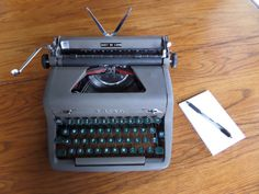 Royal Quiet Deluxe  Working Vintage Manual by MahoganyRhino