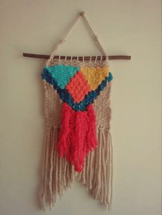Mini weave on a diy cardboard loom, free tutorial Free Tutorials, Diy Cardboard, Loom, Dream Catcher, Weave, Embroidery, Mini, Projects, Crafts