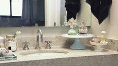 Entre organização, limpeza e décor, trazemos sugestões simples para que tudo fique mais bonito, acessível e muito cheiroso no seu banheiro.