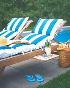 How to make your own poolside lounge cushions. Like it.