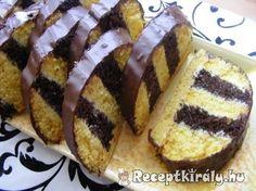 Méteres kalács II 1 Hungarian Desserts, Hungarian Cake, Hungarian Recipes, Hungarian Food, Sweet Cookies, Cake Cookies, Cake Decorating Videos, Hot Dog Buns, Cookie Recipes
