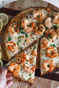 Shrimp Pizza, Seafood Pizza, Pizza Pizza, Pizza Rolls, Pizza Dough, Seafood Recipes, Vegan Recipes, Cooking Recipes, Skillet Recipes