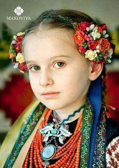 Flower Head Wreaths, Flower Band, Russian Culture, Hair Decorations, Diy Hair Bows, Diy Hairstyles, Fine Art Photography, Ukraine, Folk Art