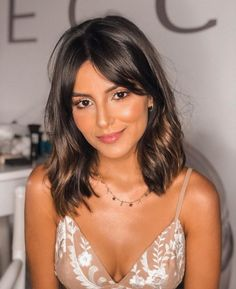 Long bob with bangs: 50 inspirations to enter this trend 2020 Hair Trends bangs bob bobhairstyle enter Inspirations long trend Long Bob With Bangs, Long Bob With Fringe, Medium Bob With Side Bangs, Line Bob Haircut, Bob Hairstyles With Bangs, Bob Haircuts, Long Fringe Hairstyles, Bobs For Thin Hair, Haircut For Thick Hair