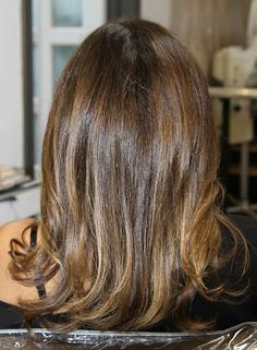 subtle highlights for brunettes