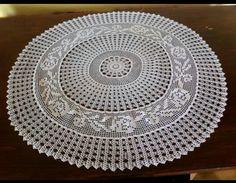 Decorative Plates, Rugs, Crochet, Home Decor, Farmhouse Rugs, Decoration Home, Room Decor, Ganchillo, Crocheting