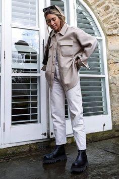 5 Pairs of Autumn Boots That Always Look Good With Jeans 2020 Fashion Trends, Fashion 2020, Daily Fashion, Fashion Weeks, Paris Fashion, Street Fashion, Urban Outfits, Casual Outfits, Fashion Outfits