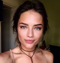 Natural Makeup perfect skin // LILI CLASPE - You only need to know some tricks to achieve a perfect image in a short time. Skin Makeup, Beauty Makeup, Hair Beauty, Perfect Skin, All Things Beauty, Natural Looks, Beautiful Eyes, Pretty Face, Natural Makeup